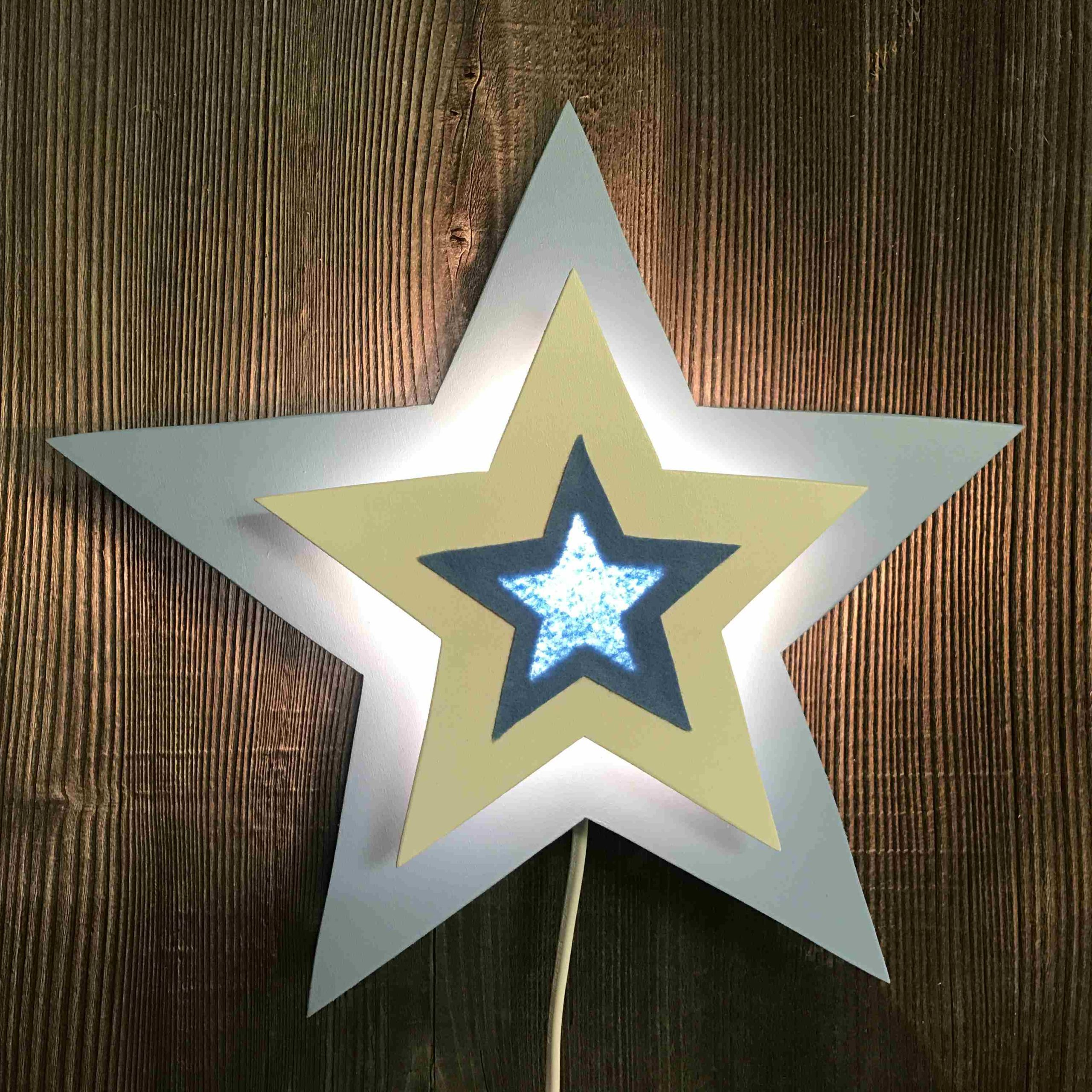 Stern hellblau